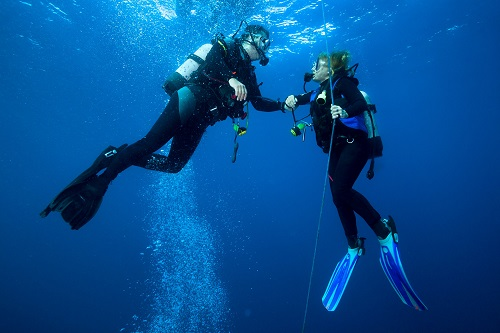 How to Handle Bad Diver Behavior Underwater