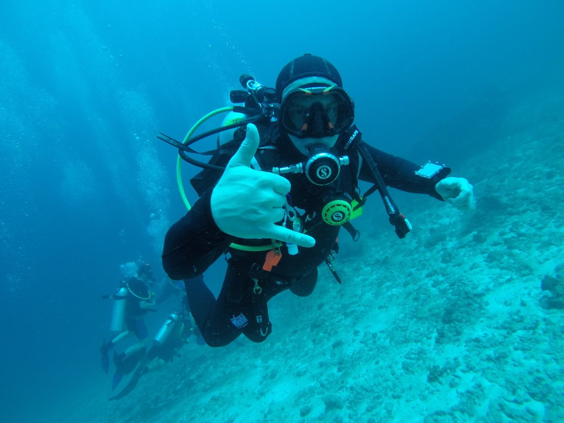 how to become a certified diver in australia